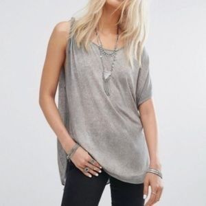 We the FREE PEOPLE Pluto One Shoulder Tee linen S